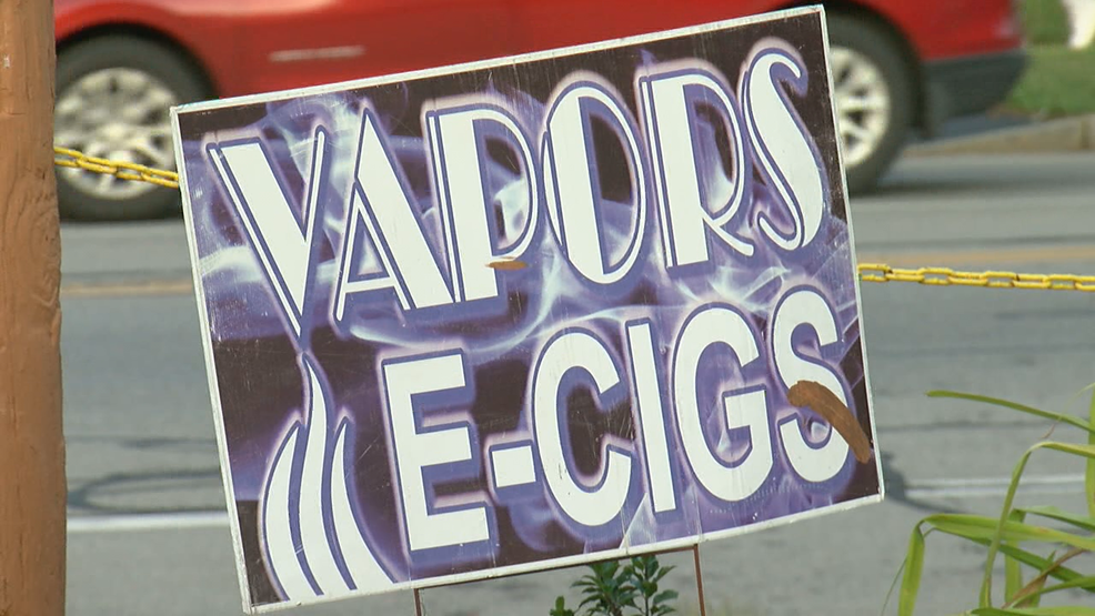 Possible vaping-related death sparks warnings