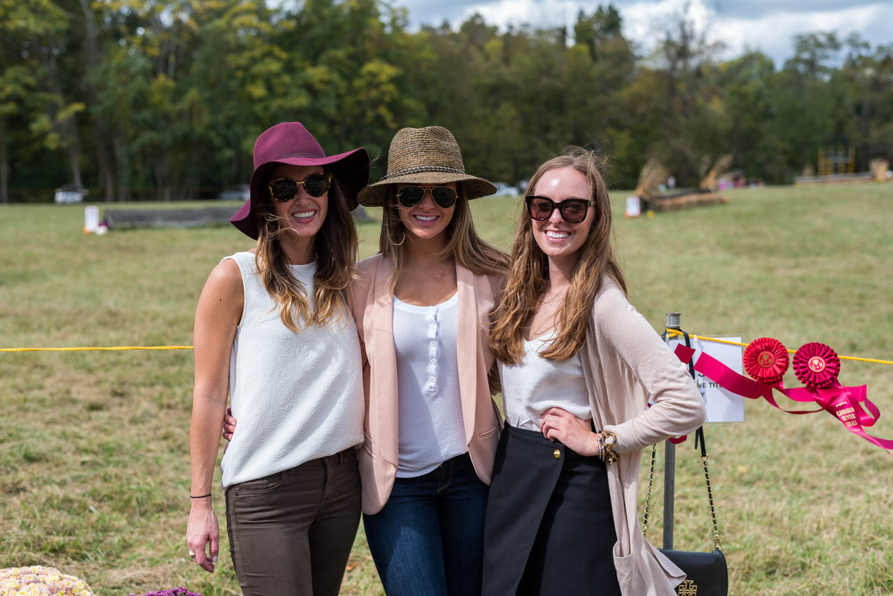 People: Lindsey Tamplin, Ashley, and Heather Robertson / Event: Camargo Hunter Trials (10.7.17) / Image: Mike Menke / Published: 11.3.17