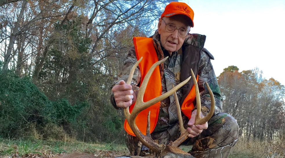 bedford county man considered oldest deer hunter in the country wset