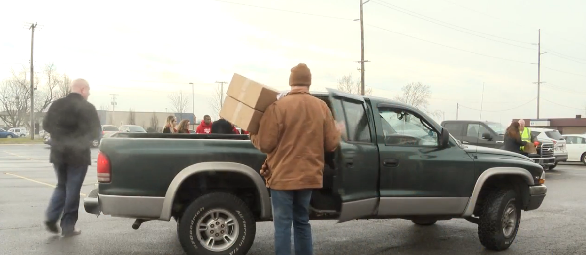 Four Winds Casinos gives food baskets to families in need for holidays. // WSBT 22<p></p>