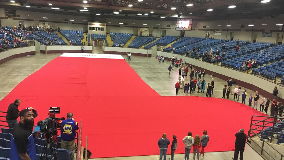 Sedalia Stuffs Guinness World Record Book With 177 Foot Christmas Stocking Krcg