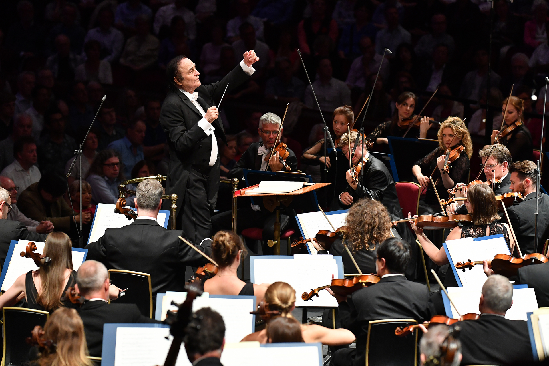 Conductor Charles Dutoit conducts the Royal Philharmonic Orchestra at the BBC Proms at the Royal Albert Hall.                                  Featuring: Charles Dutoit                 Where: London, United Kingdom                 When: 17 Aug 2017                 Credit: BBC/Chris Christodoulou/Supplied by WENN.com{&amp;nbsp;}<p></p>