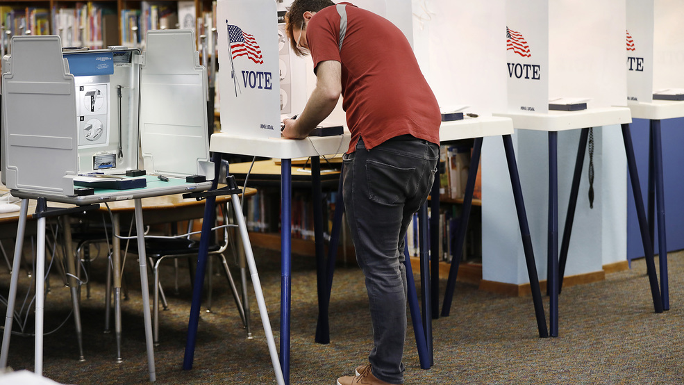 US-NEWS-MIDTERMS-ELECTIONSECURITY-LA.jpg