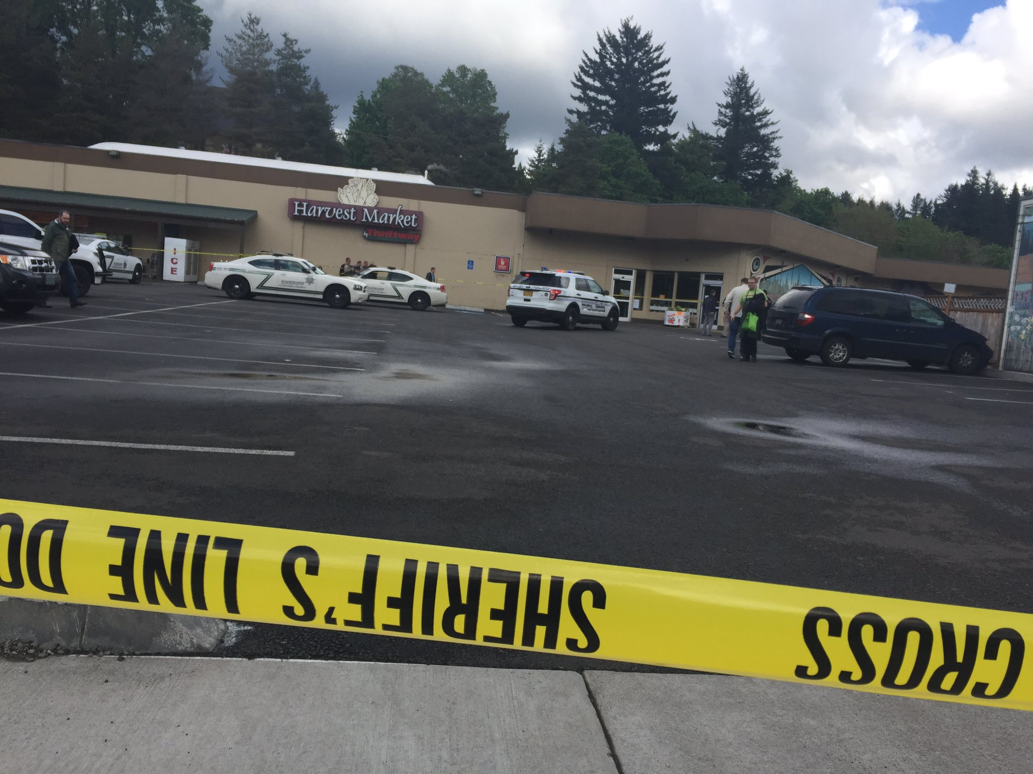 Deputies: Man killed mother, walked into grocery store with her head, stabbed employee. (KATU/Lashay Wesley)