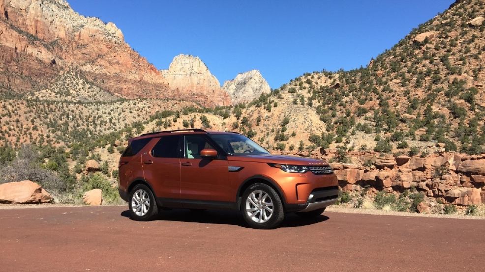 2017 Land Rover Discovery 54.jpg